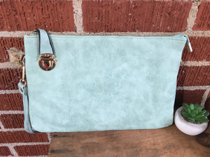 Mint buckle lock clutch