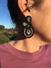 Load image into Gallery viewer, Black stallion earrings