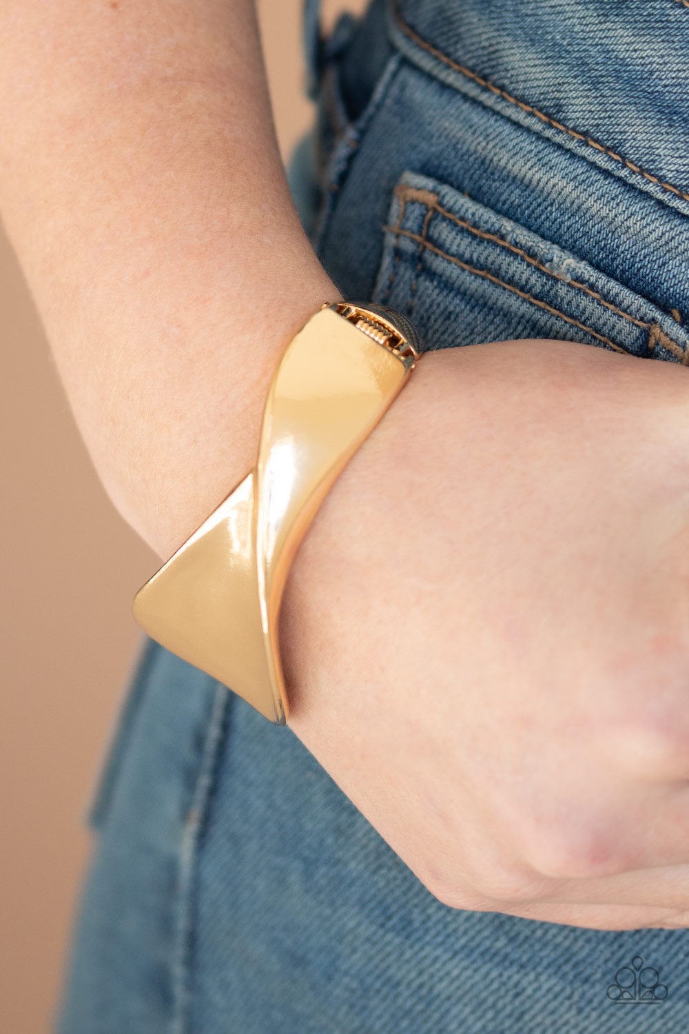 Paparazzi Accessories Retro Reflections - Gold Bracelets - Lady T Accessories