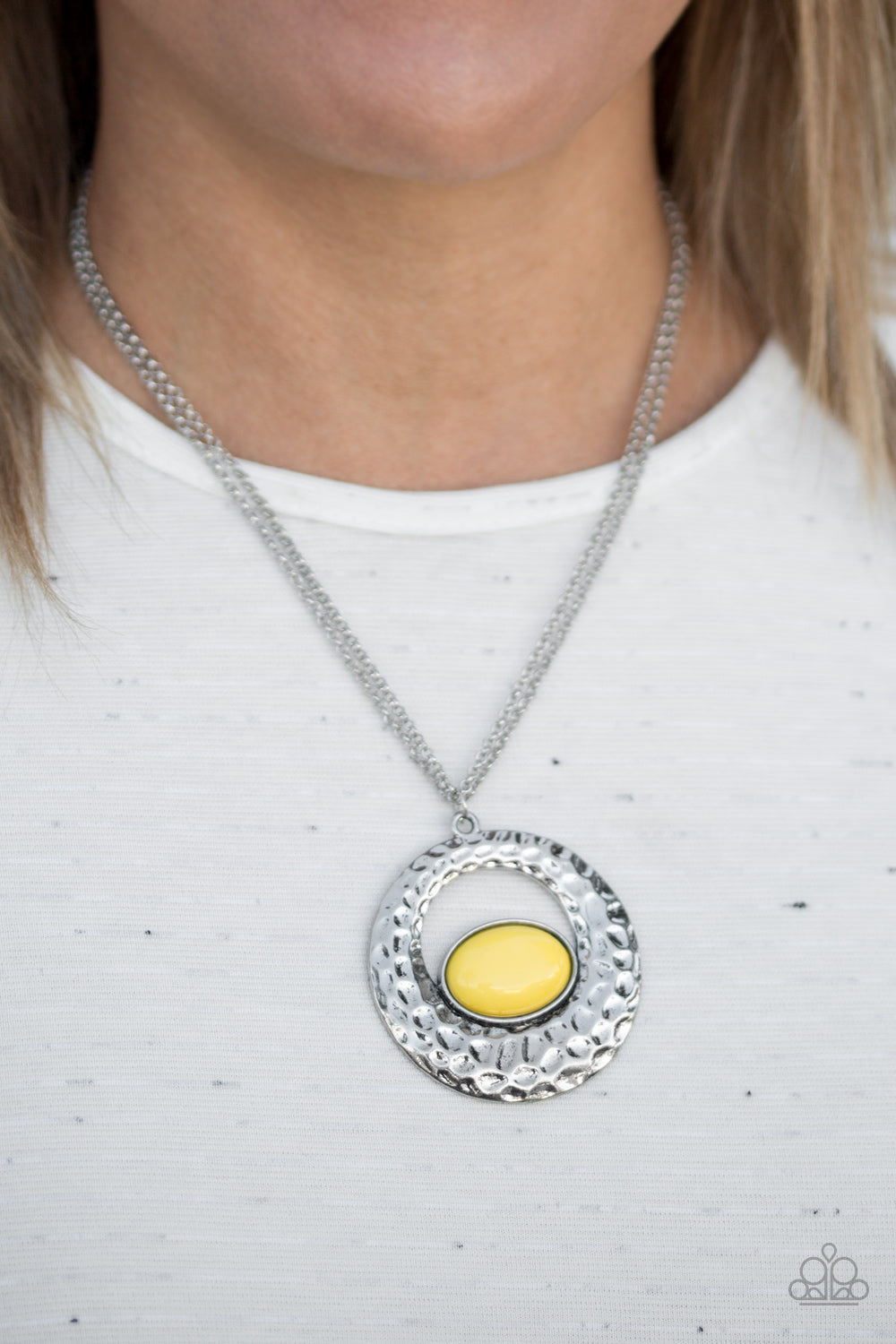 Paparazzi Accessories Viva Vivacious - Yellow Necklaces