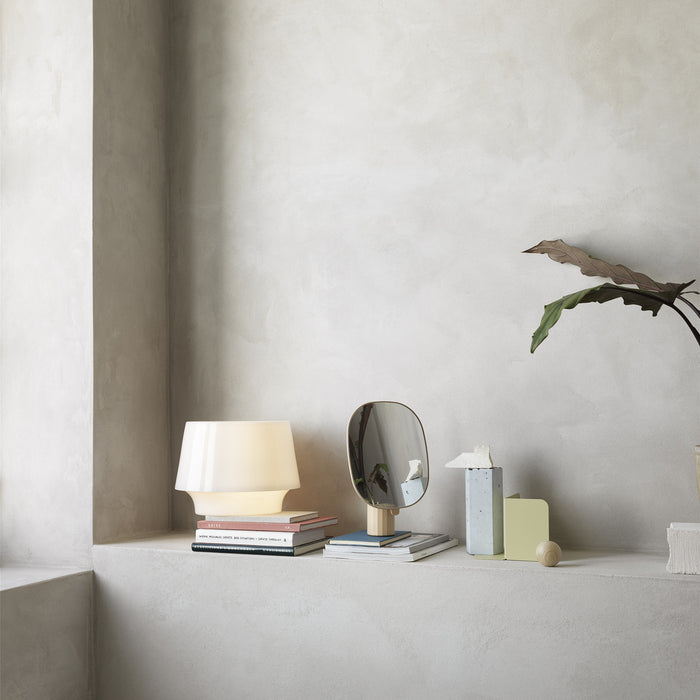 Cosy in White Table Lamp | S