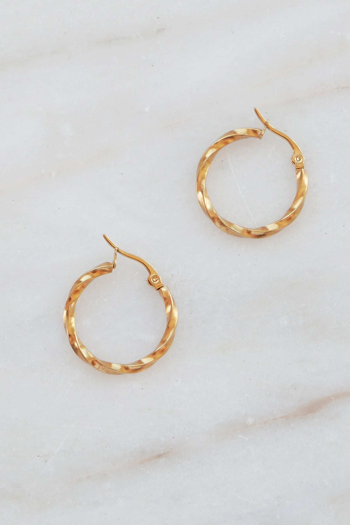 PALAS Twisted Hoop Earrings