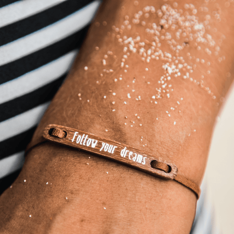 float Message Armband Follow Your Dreams