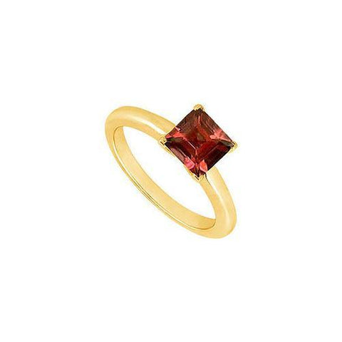 Garnet Ring : 14K Yellow Gold - 0.75 CT TGW