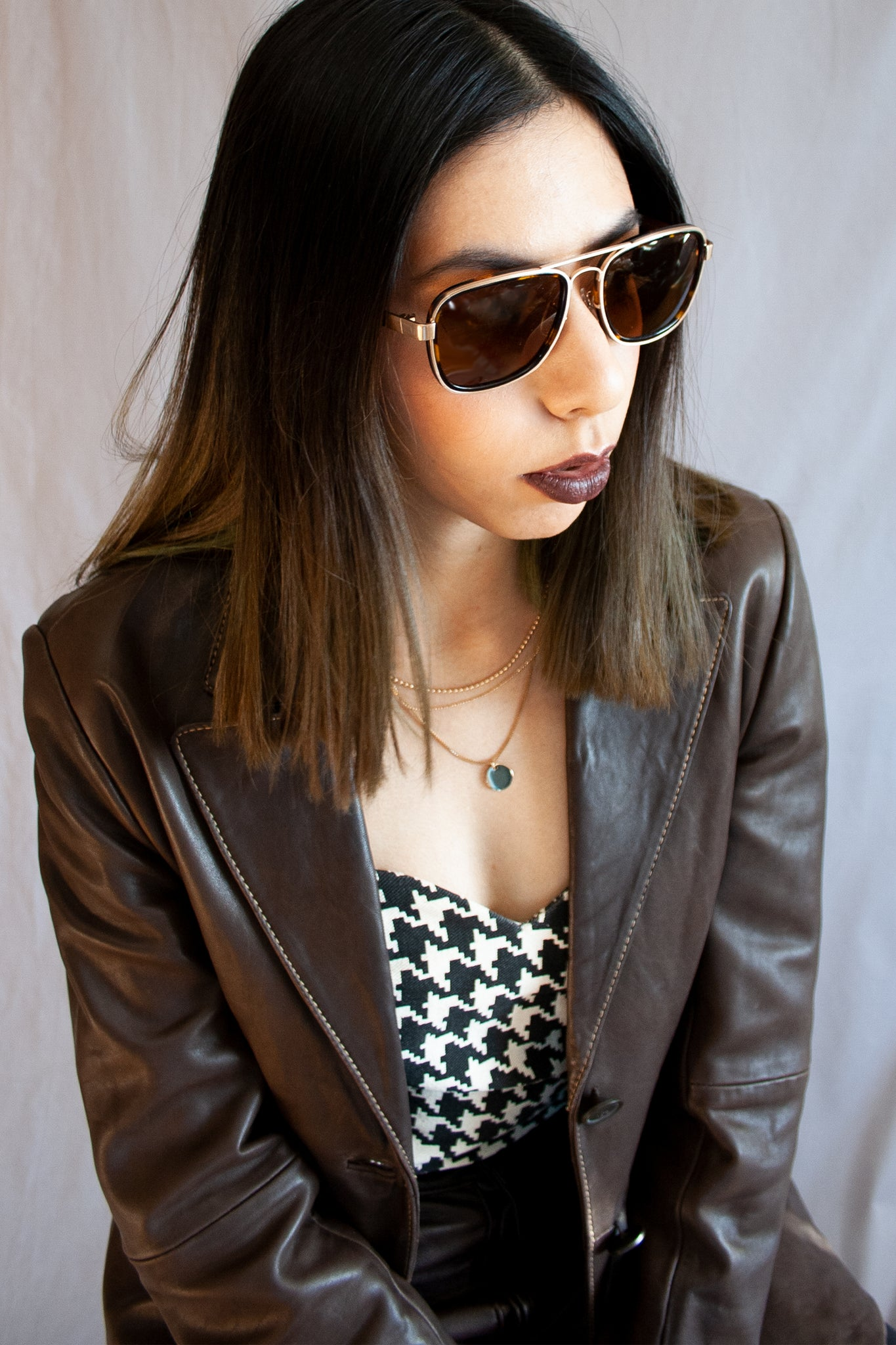 9a5a35bbeebe Arket square aviator sunglasses in brown and gold – Major Unit