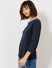 Basic T-shirt with boat neckline