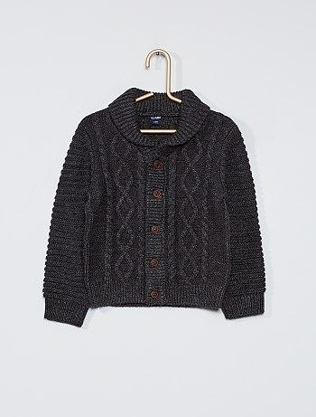 Buttoned knitted cardigan