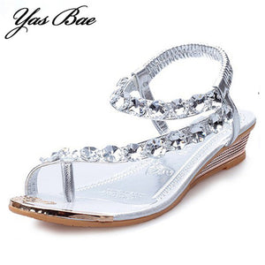 2017 Designer Summer Women Fashion tong with Rhinestone Clip Flat Lady toe Ring Bling Thong Sandal wedge Glitter Shoe for Female