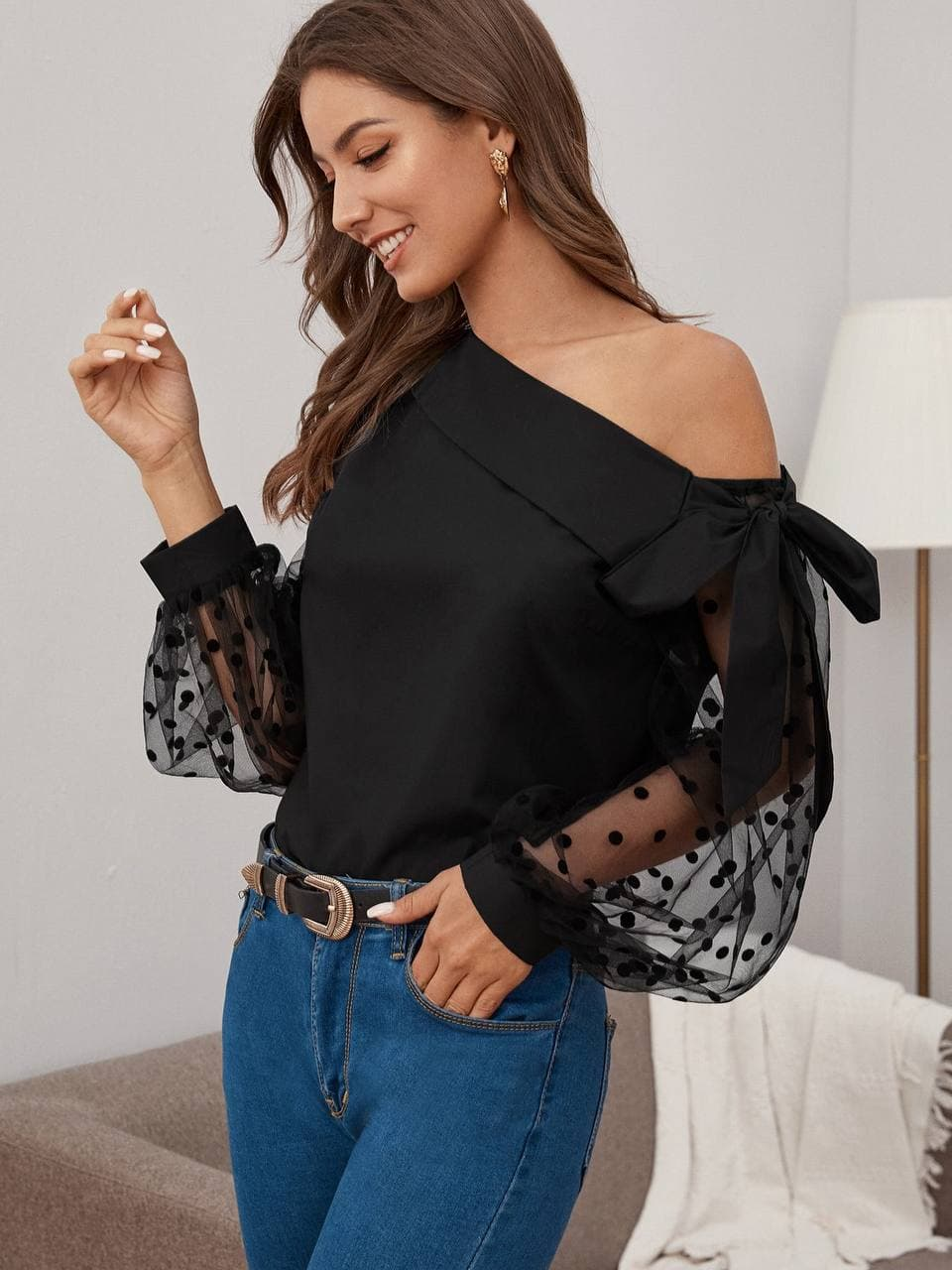 Megan mesh sleeve top