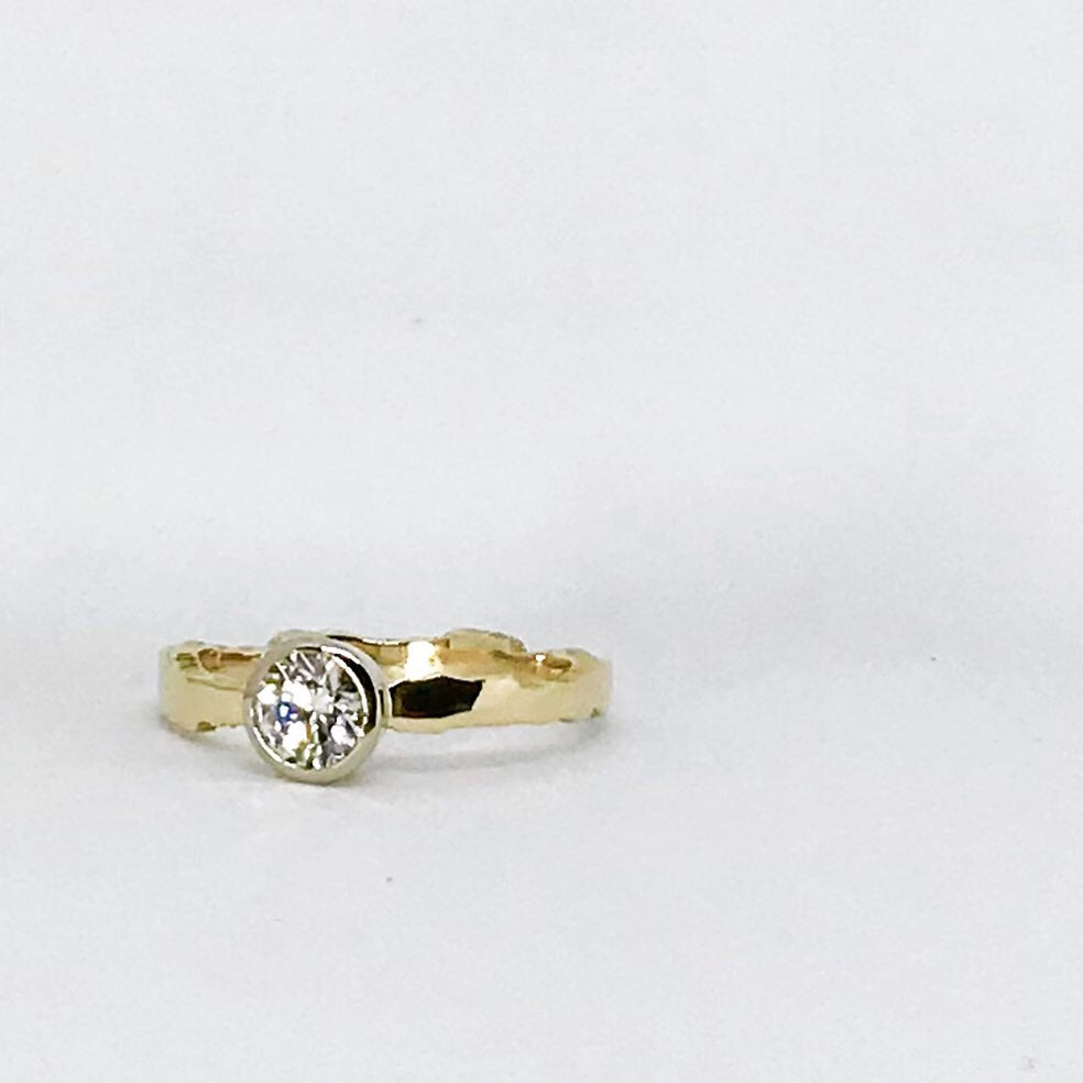 Canadian Diamond Ridge Ring