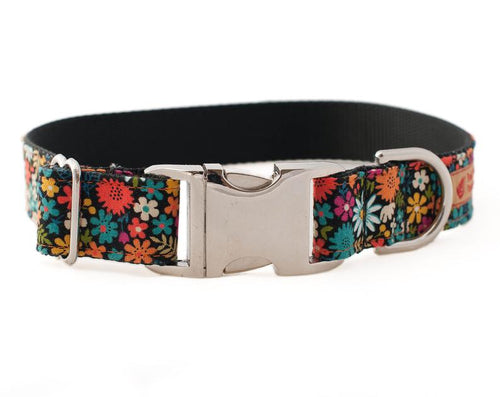 Cute dog collar floral pattern