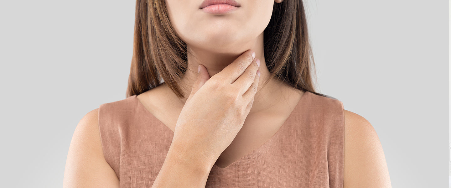 How to soothe a sore throat and catch it early