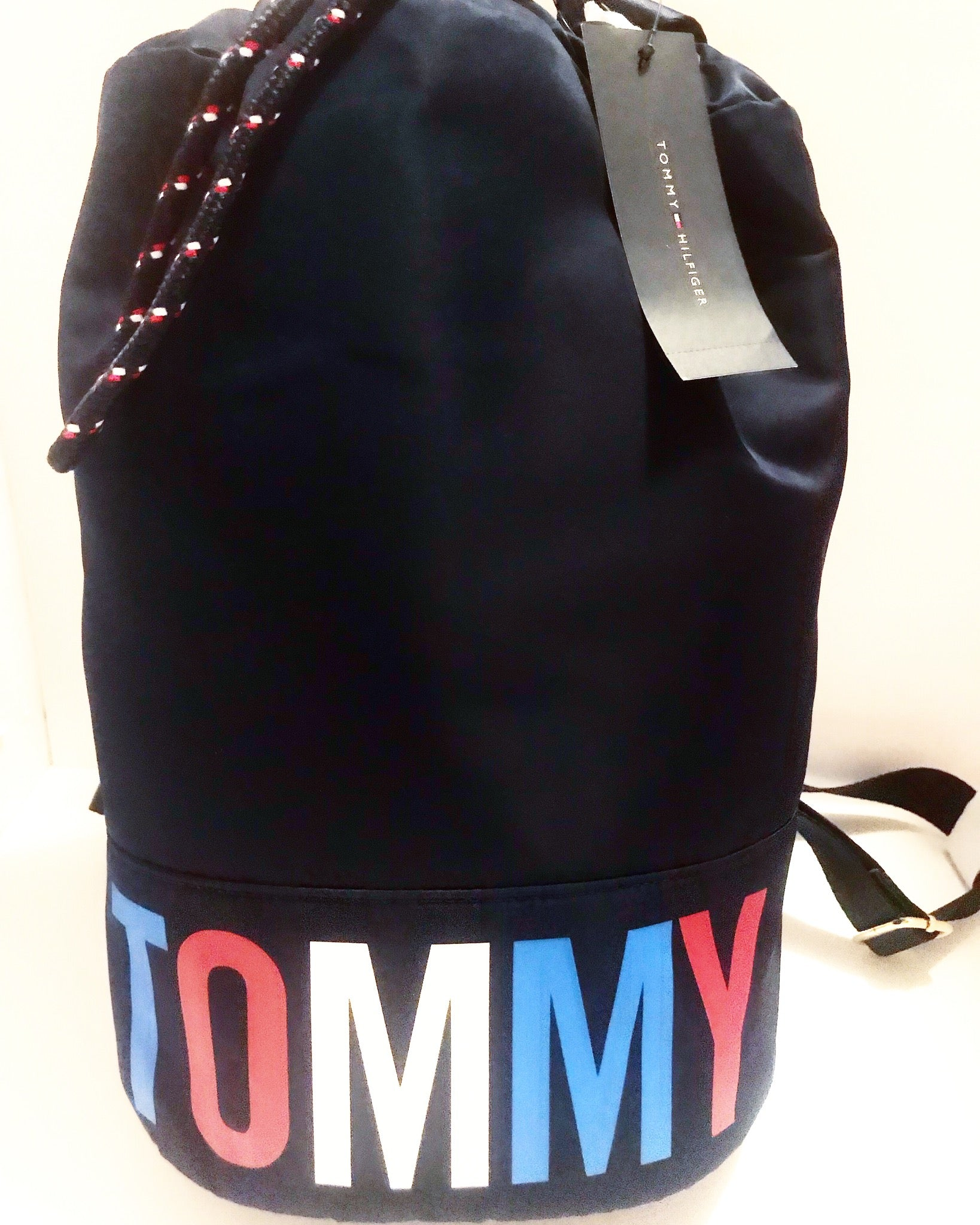 TOMMY HILFIGER BUCKET BACKPACK