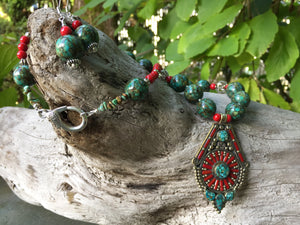 Mineral Necklace - Nepalese Pendant Necklace and Earrings Set