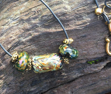 Load image into Gallery viewer, Lampwork Glass Necklace - Simplicity