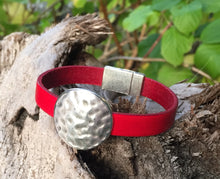 Load image into Gallery viewer, Leather Bracelet - Red with Hammered Disc