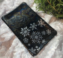 Load image into Gallery viewer, Fused Glass - Snowflake Journey in silver