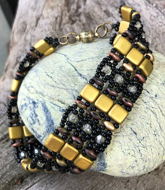 Beaded Bracelet - Black and Metallic