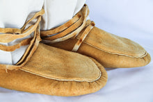 Load image into Gallery viewer, Moccassins - Lesley Evans