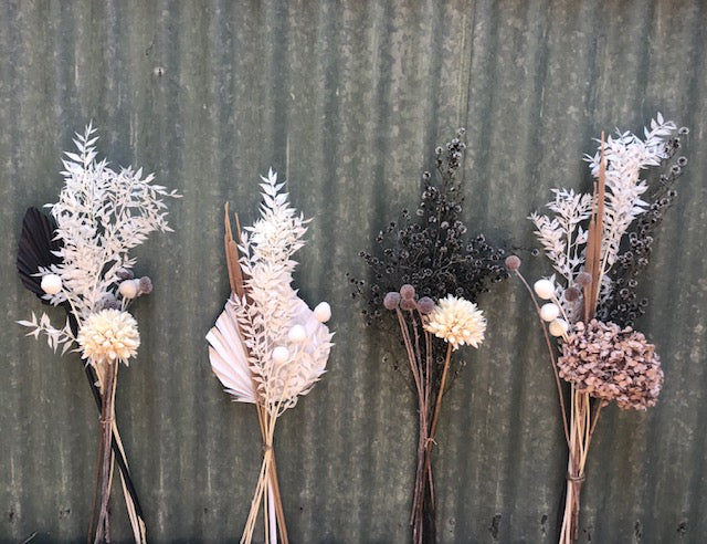 tlb house - mixed dried flower bunch - small