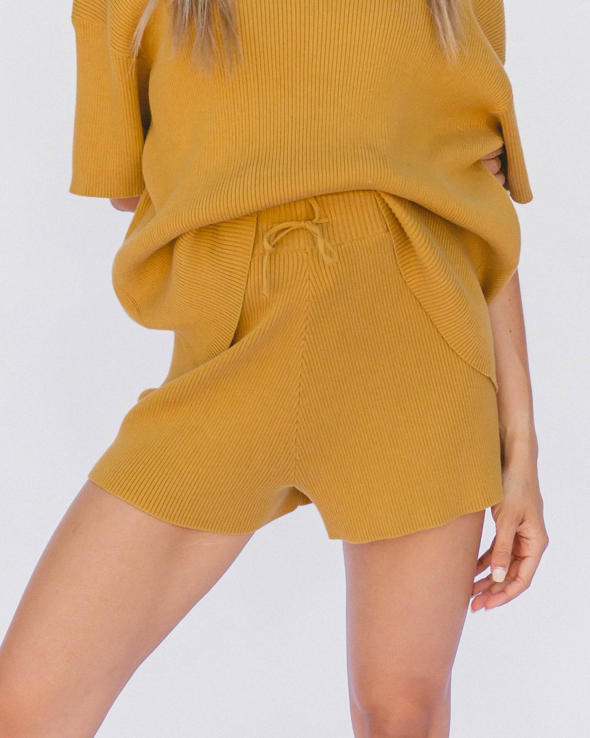 the lullaby club - alex knit shorts - mustard