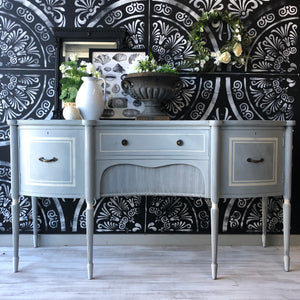 Annie Sloan Chalkpaint Louis Blue and Chicago Grey mix