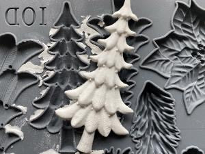 Boughs of Holly 6x10 Decor Mould