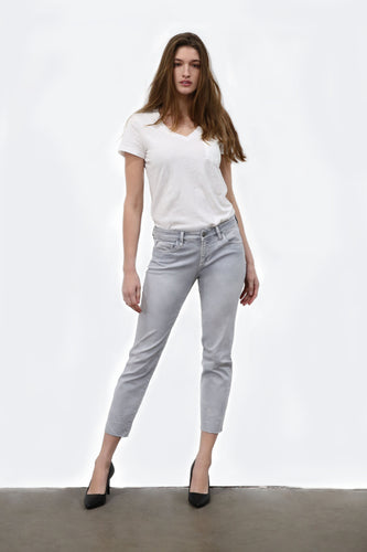 No Frills Cool-Girl Jeans