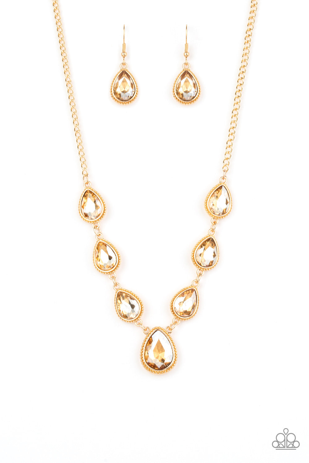 Paparazzi Socialite Social - Gold Necklace
