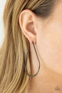 Paparazzi City Curves - Black Earrings