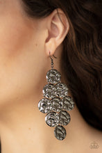 Load image into Gallery viewer, Paparazzi Metro Trend Black Earrings
