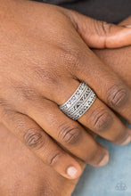 Load image into Gallery viewer, Paparazzi Textile Triumph - Silver Papa Ring