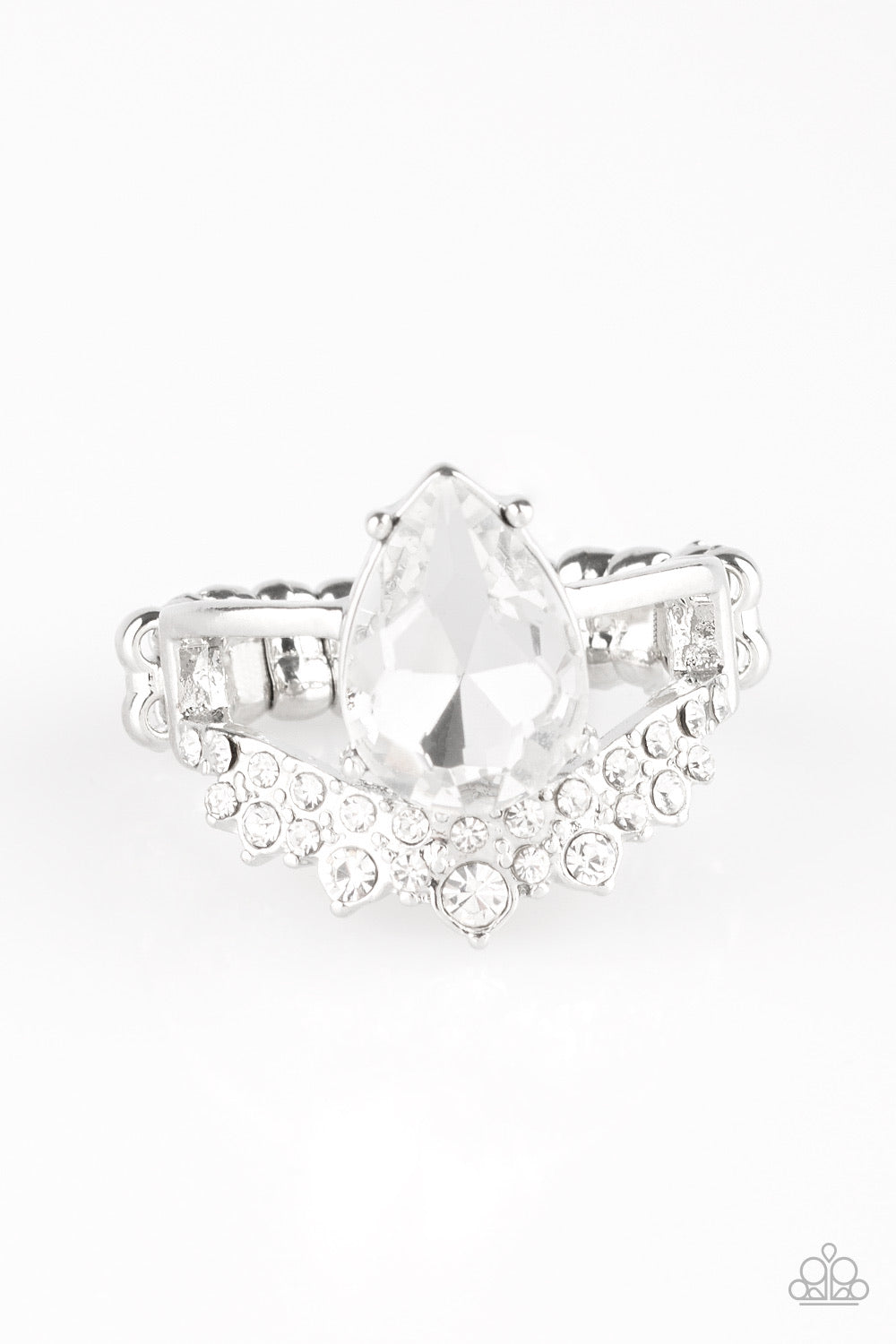 Paparazzi If The Crown Fits - White Papa Ring