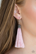 Load image into Gallery viewer, Paparazzi Make Room For Plume - Pink Earrings