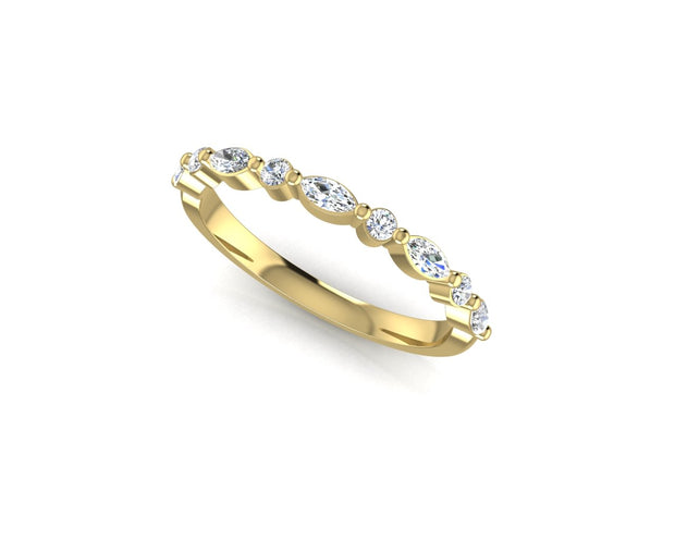 Marquise and round brilliant diamond - Yellow Gold Wedding Ring King