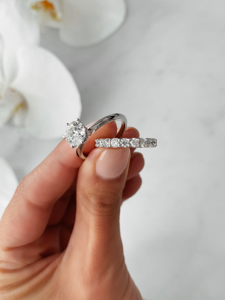 Round Brilliant 2 Claw Diamond Ring - White Gold & Platinum Wedding Ring King