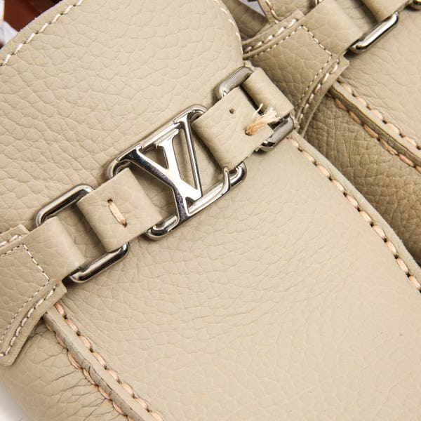 Louis Vuitton Shoes (10 / White / New)