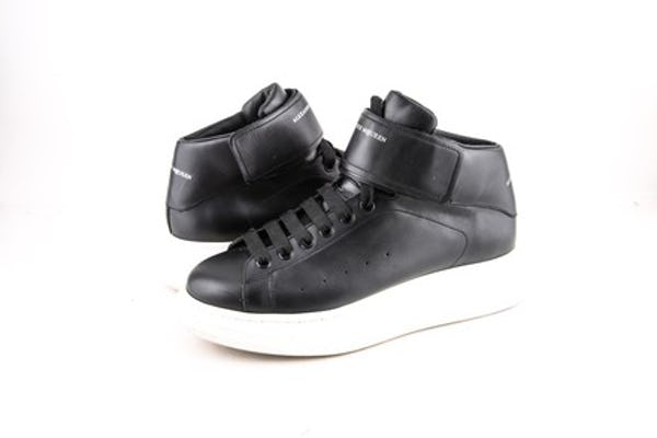Alexander McQueen Sneakers (10 / Black / Light Wear)