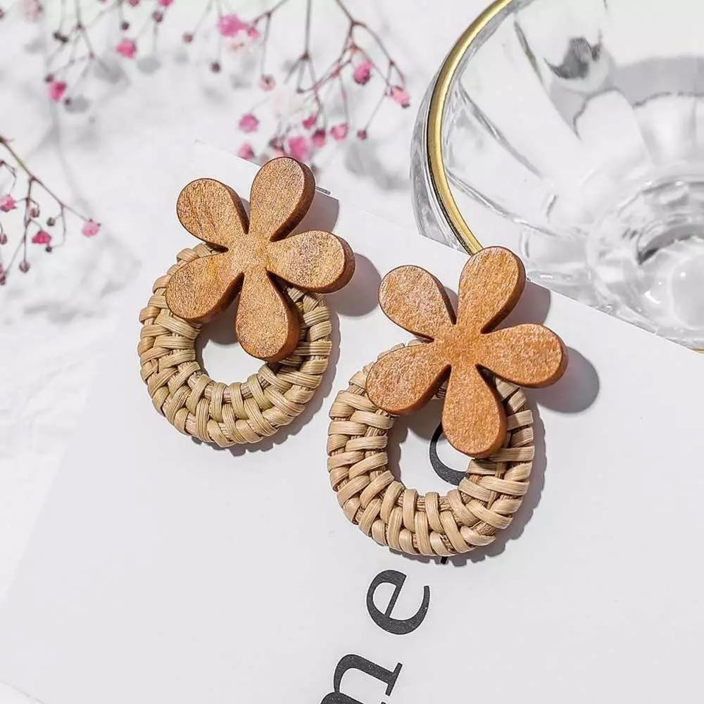 Wooden Flower Rattan Earrings - Ellevoke