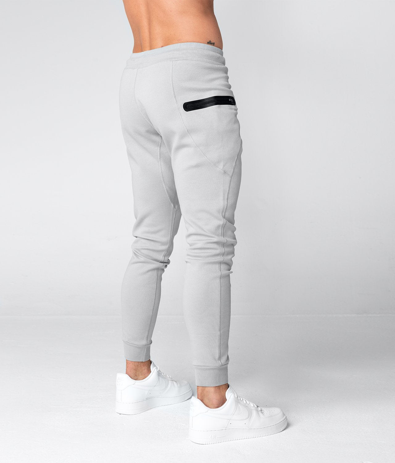 Born Tough United Kingdom Core Fit Zippered Flatlock Seams Gray Gym Workout Jogger Pants for Men