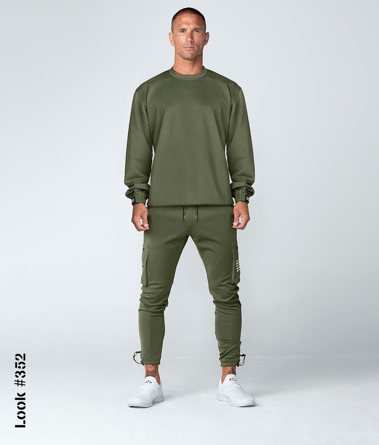 Born Tough United Kingdom Momentum Fitted Cargo Sweat-Wicking Gym Workout Jogger Pants For Men Military Green