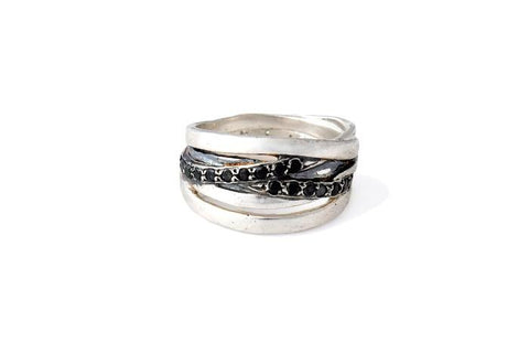 ROCK STAR RING LINKED (CON DIAMANTES NEGROS - PAVE)