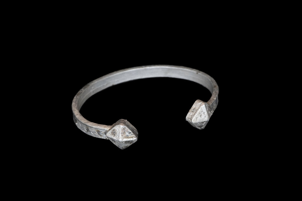 SILVER HAMMERED CUFF - Rock and Jewel