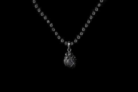 SMALL OBSIDIAN ANATOMIC HEART NECKLACE