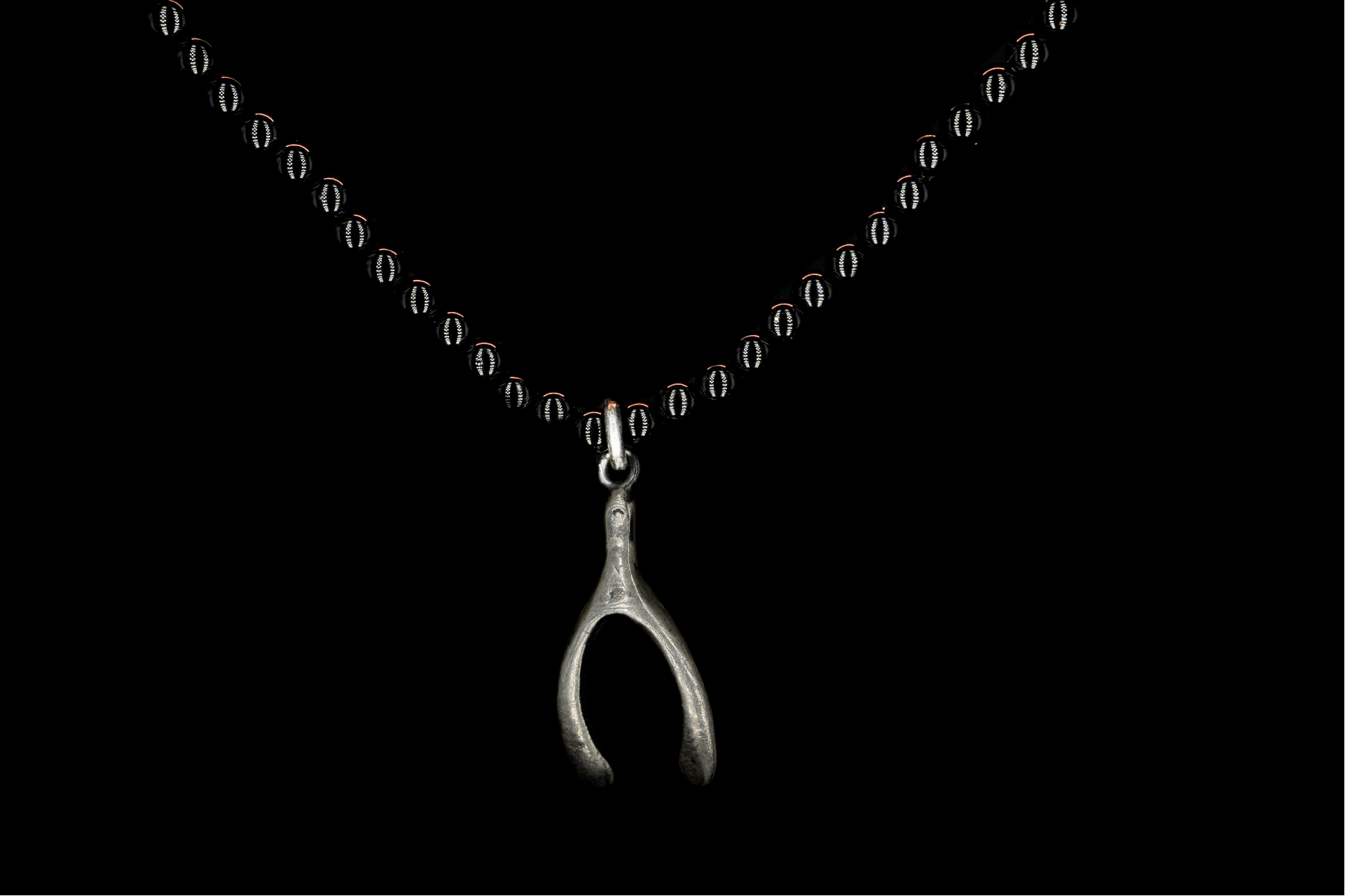 SMALL OBSIDIAN WISHBONE NECKLACE