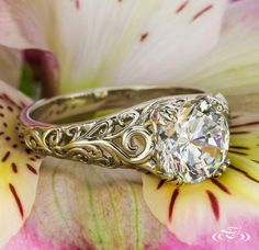 Ornate fashion ring