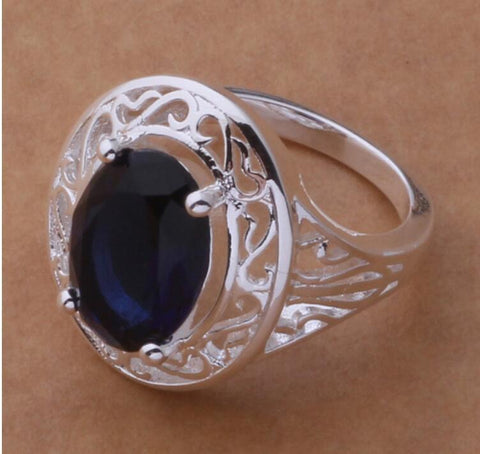 prong setting or claw setting of gemstone rings