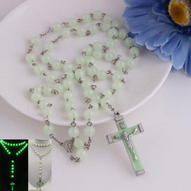 Plastic bead necklace - Glow in Dark Plastic Rosary Beads Luminous Noctilucent Necklace Catholicism Religious Jewelry Party