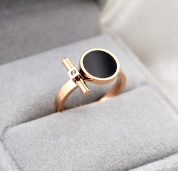 Titanium rings for women - Black Round Crystal Rings Rose Gold Color Lady's Wedding Ring Birthday Gift Woman Fashion