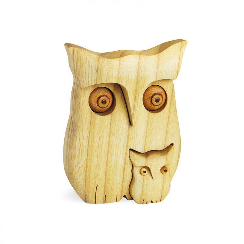 Polished Wooden Owl With One Baby Owl